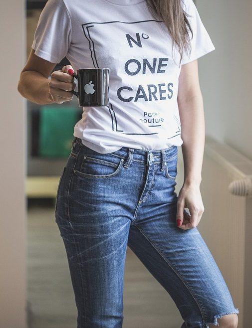 5 trucos para quitar manchas de una camiseta personalizada