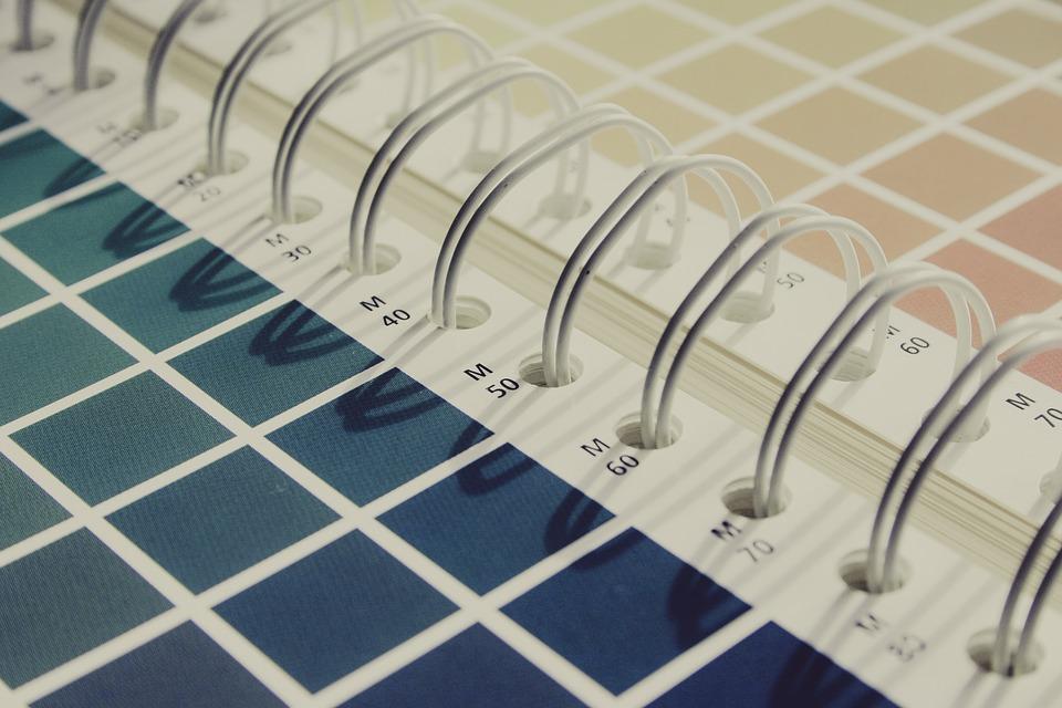 Cómo imprimir carpetas corporativas