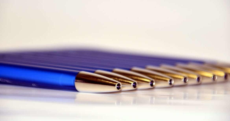 Por qué personalizar un bolígrafo para regalar